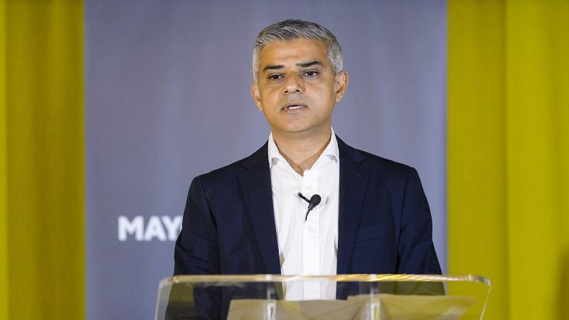 Image of London mayor Sadiq Khan delivering a speech