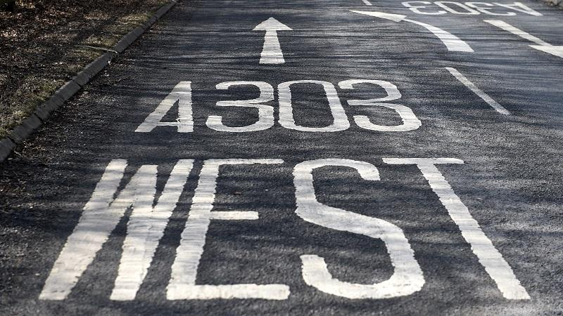 An image of road markings pointing motorists towards the A303 westbound