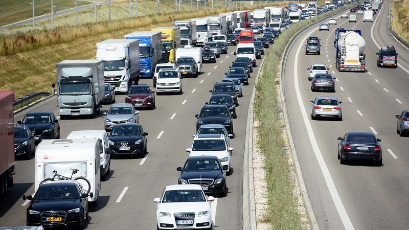 An image of a traffic jam in one direction on a German road