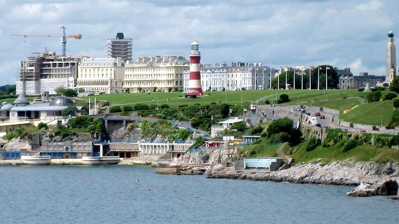 An image of the coastline in Plymouth